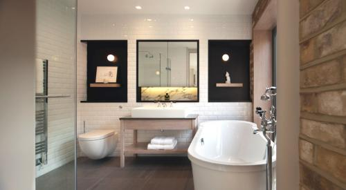 modern-bathroom-design-30-ideas-for-your-private-heaven-freshome-com-5b6dd81e30782